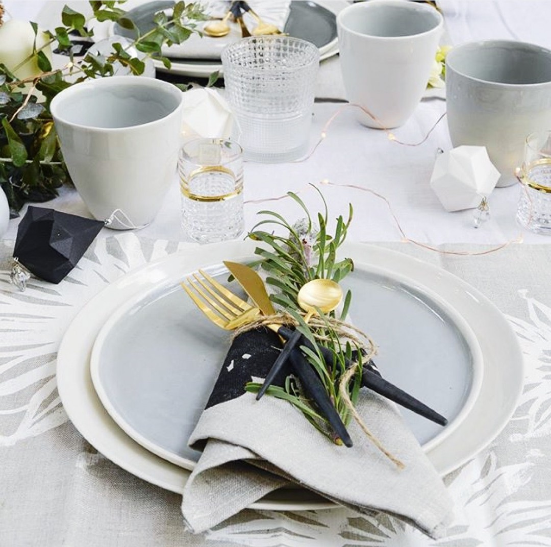 How To Perfect Your Christmas Table Decorations: How To Create The Perfect Christmas Table